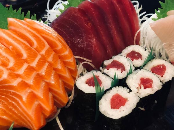 Salmon & Tuna Sashima With Tuna Roll