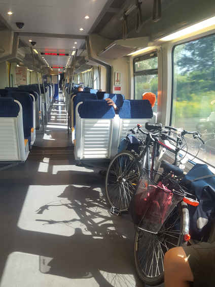 Trains are comfy with bikes