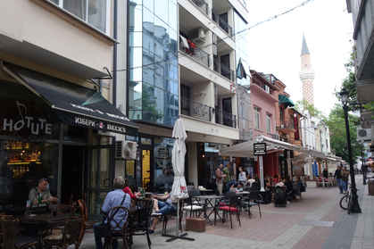 Lively streets, good food