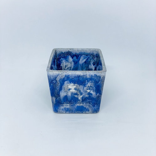 480 - 8cm Square Resin Potter