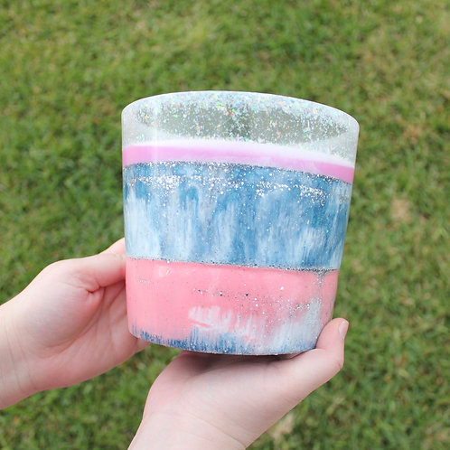 508 - 15cm Round Resin Potter