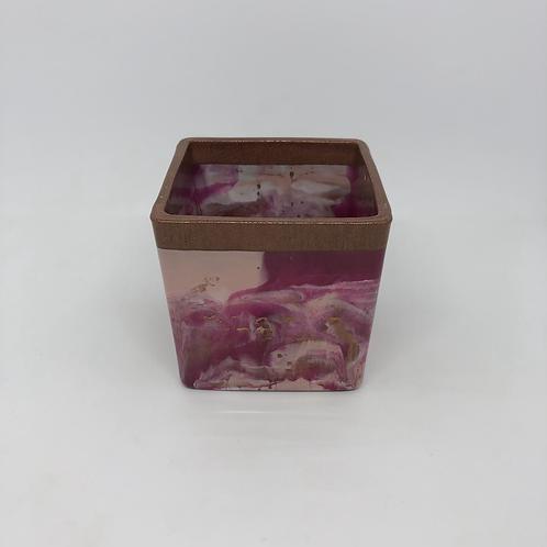 479 - 8cm Square Resin Potter