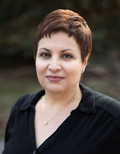 Lisa Luciano Head Shot