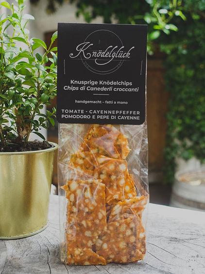 Knusprige Knödelchips Tomate - Cayennepfeffe, handgemacht, Knödelglück, Südtirol