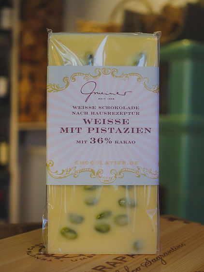 Weisse Schokolade mit Pistazien, Confiserie Gmeiner