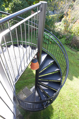 Metal balustrade built for outdoor deck in this Auckland home by Stairworks.