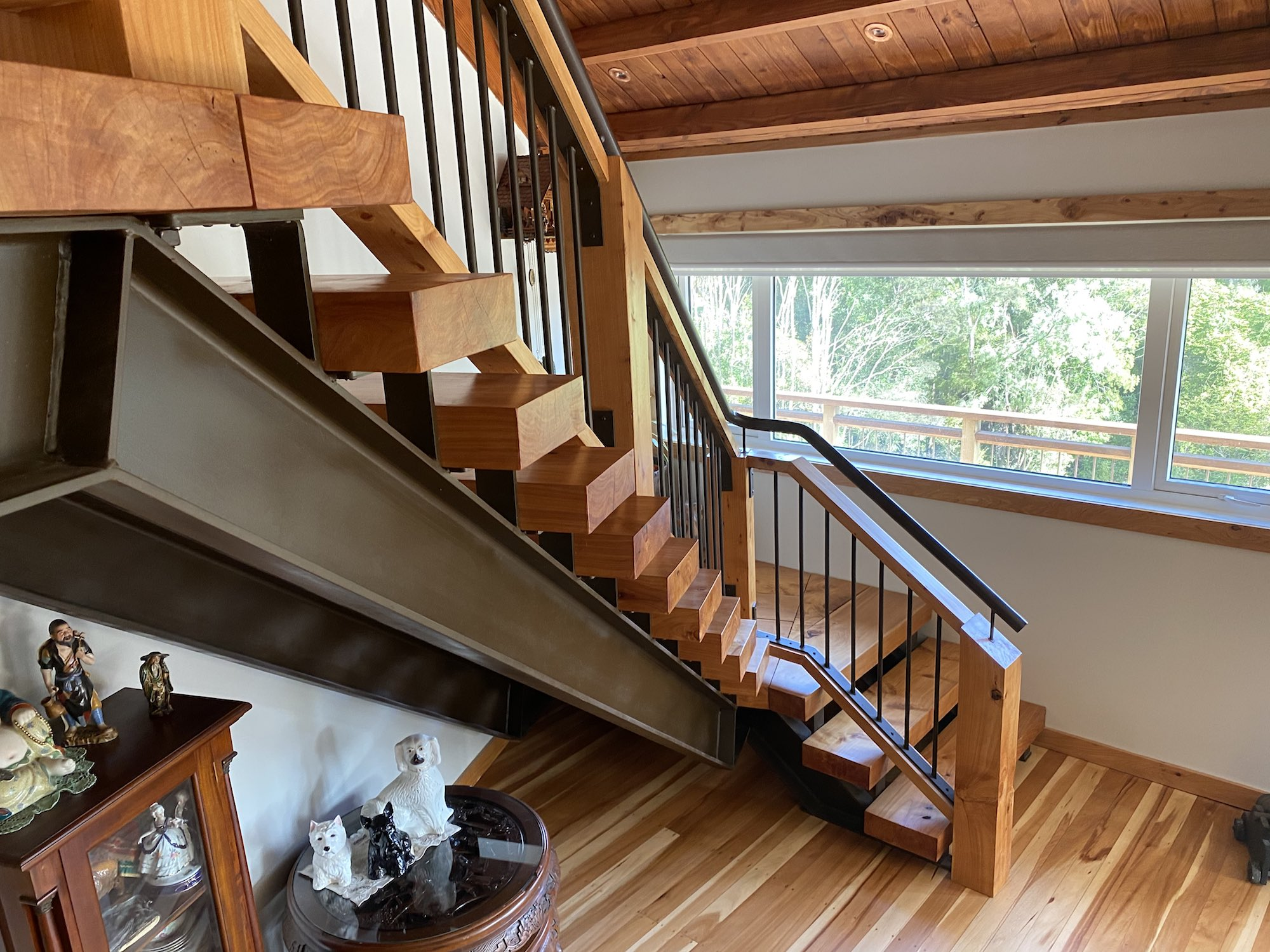 Reclaimed wood used for rustic style stairs in Auckland
