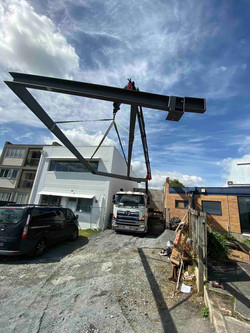 Complex crane for structural steel work
