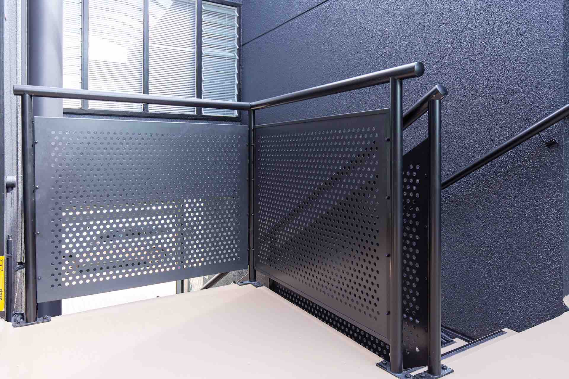 Stairworks replaces steel balustrade and upgrades with a more modern design.