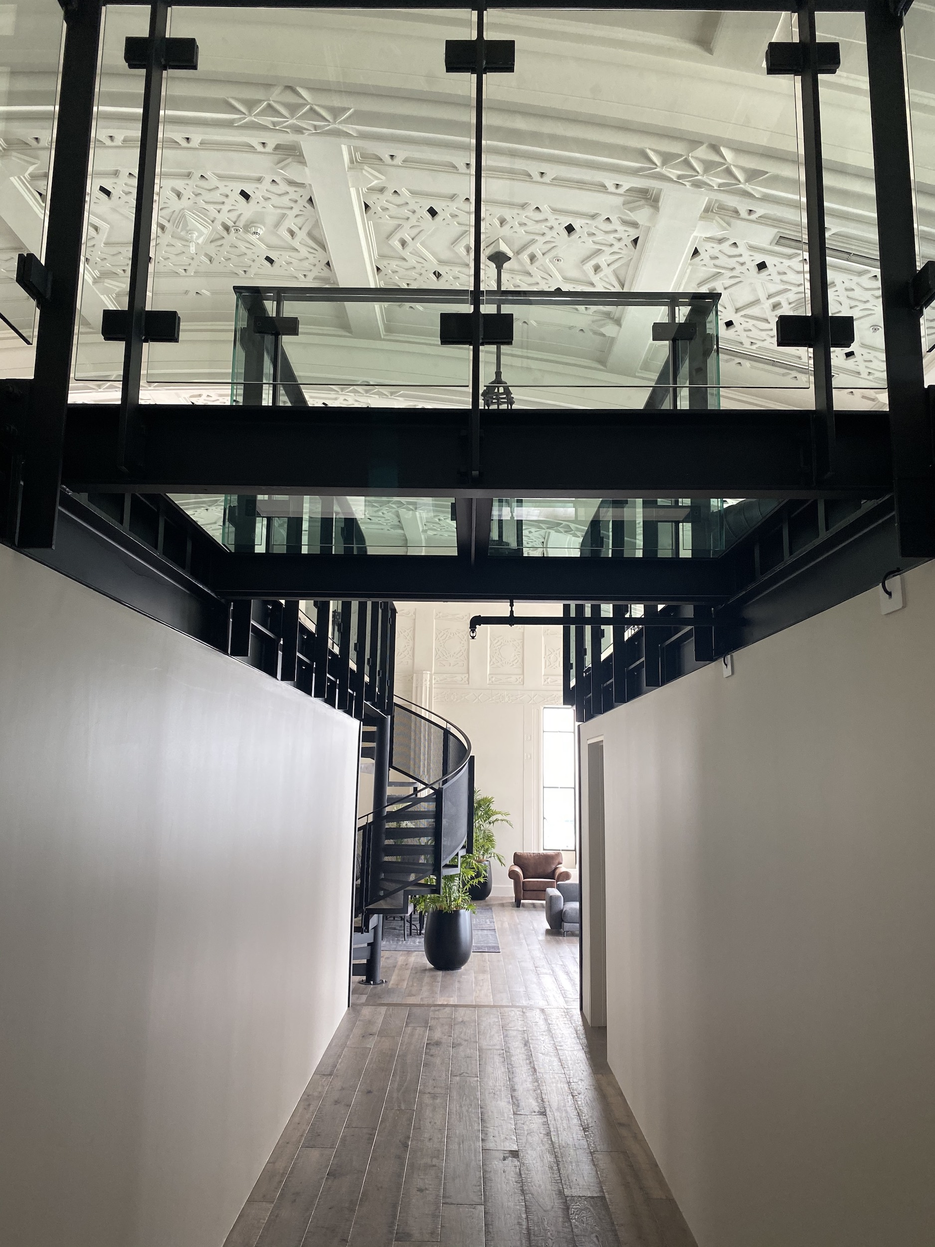 Steel and glass balustrades designed and built by steel manufactorer Stairworks