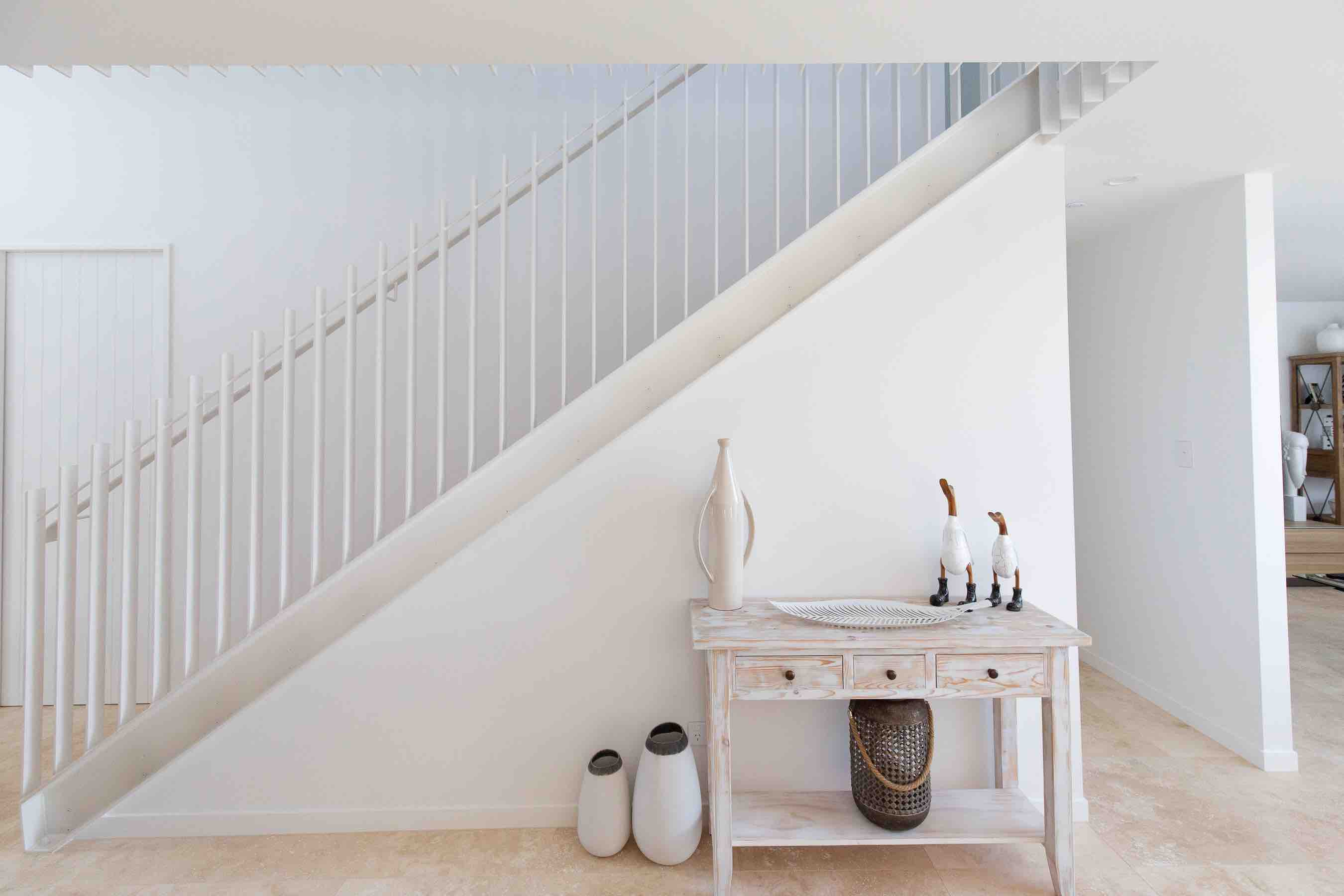 Light, airy, and minimalist stair design in Auckland, New Zealand.