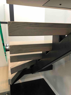 Floating stairs in Auckland show home