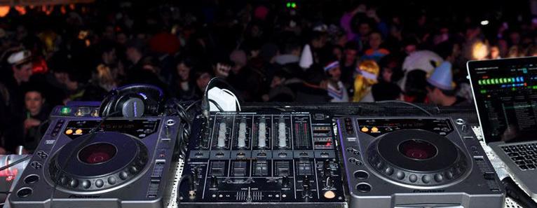 DJ SET: