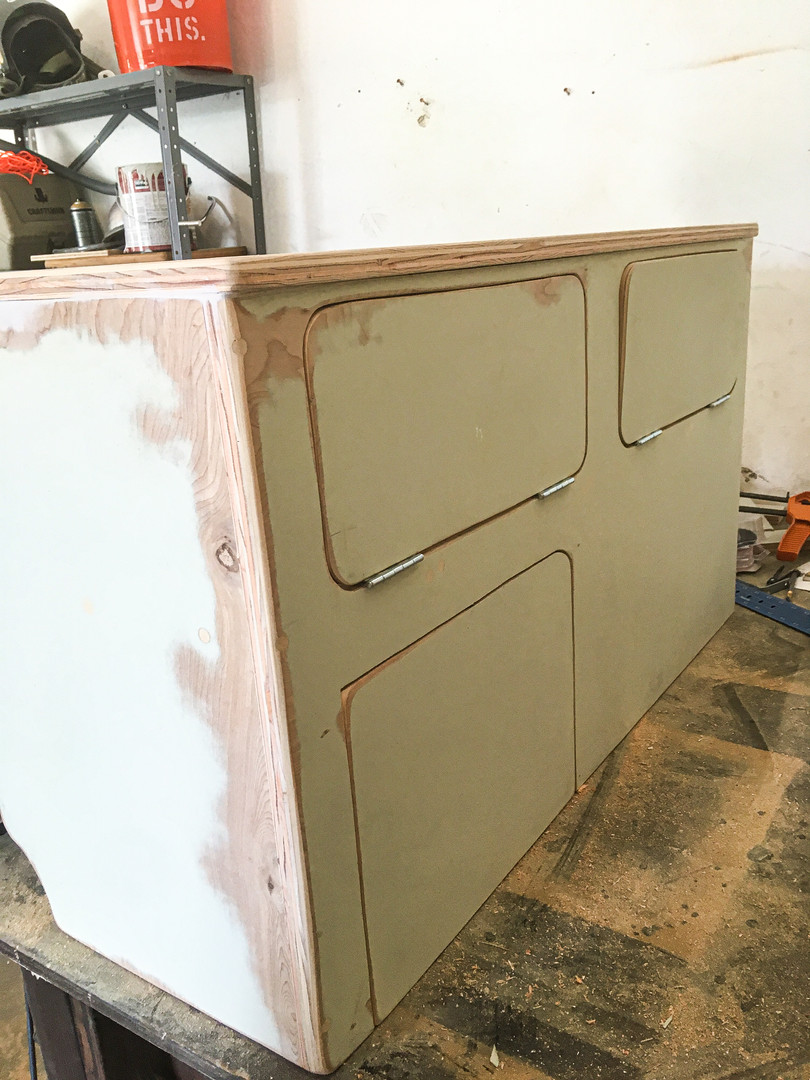 Cabinet Building
