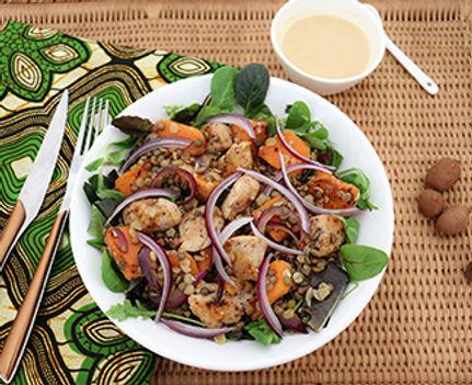 Salade de poulet, patate douce et lentilles, vinaigrette au tamarin