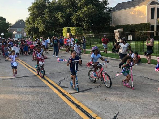 Valley Ranch Neighbors Show Patriotic Colors at Parade