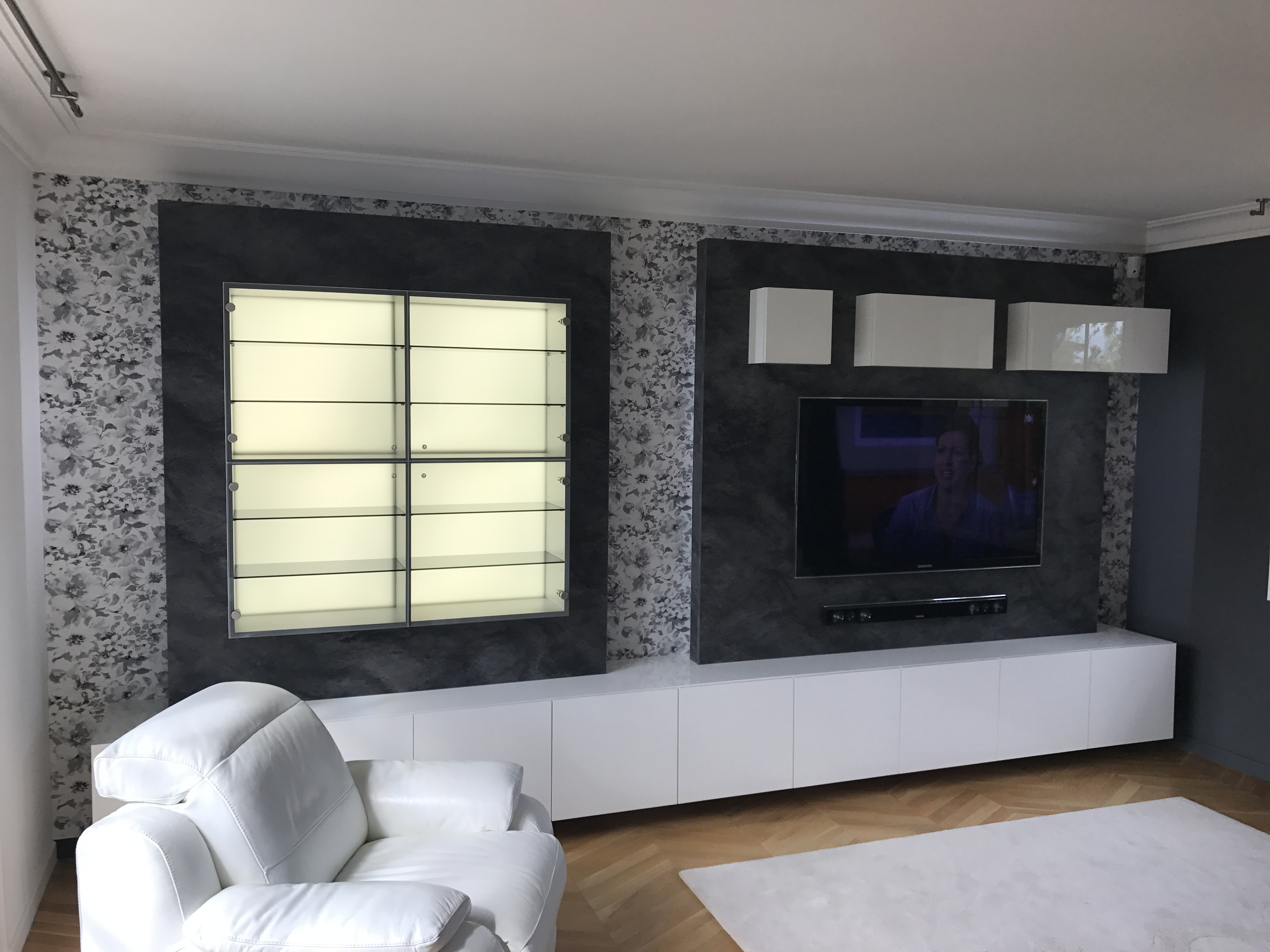Meuble TV et vitrine