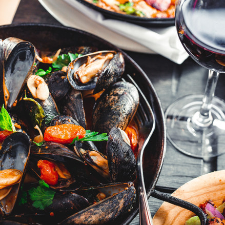 unsplash - muOhope Local Wild Food Challenge mussels and winejpg