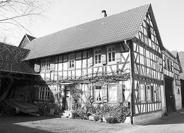 Reinheim_An_der_Stadtmauer_4_edited.jpg