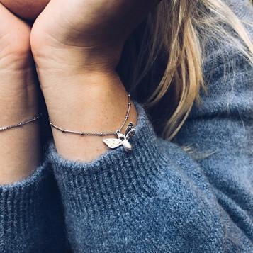 bee bracelet S 2.JPG