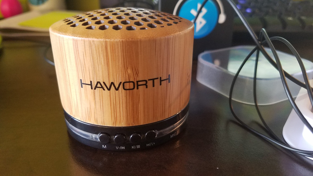 wood grain bluetooth logo speaker