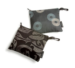 zipper pouch from recycled fabric