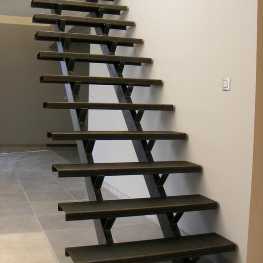 escalier double limon marche acier