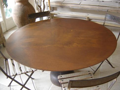 plateau de table acier rouillé
