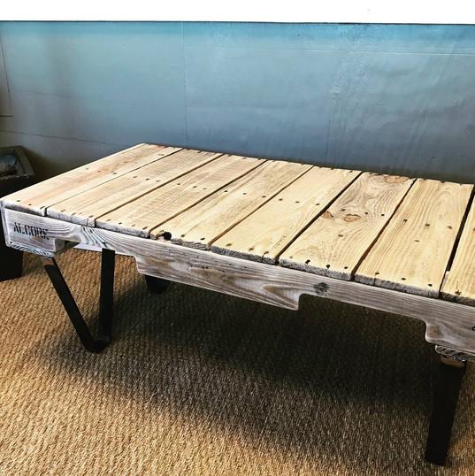 table basse avec une palette