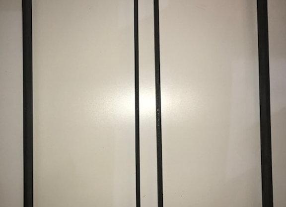 LOT DE 2 PIEDS FER PLAT PLIE largeur 29 cms et hauteur 74 cms