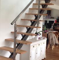 escalier acier brut.jpg