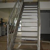 escalier double limon industriel.jpg