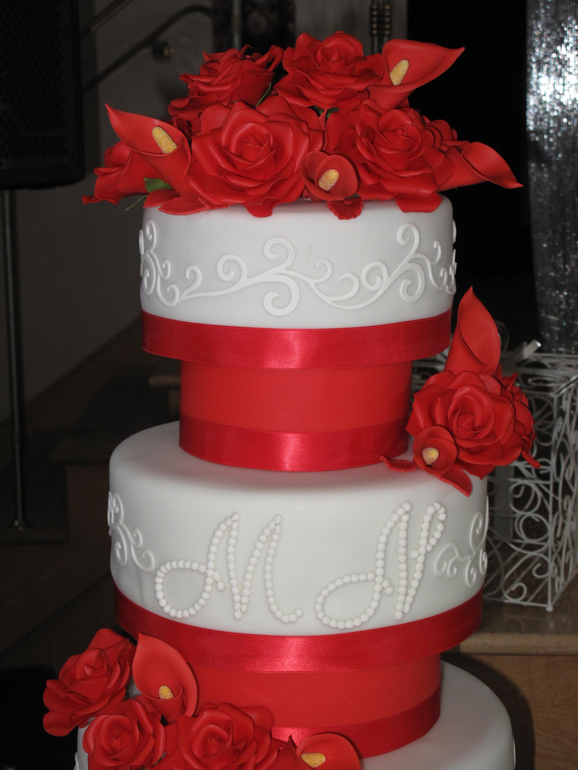 Gâteau de mariage Blanc et rouge