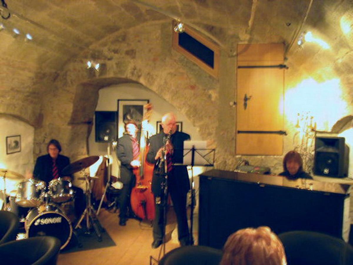 Jackson Lounge 2005-003