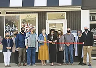 New Linton Cafe & Bakery Holds Ribbon Cutting
