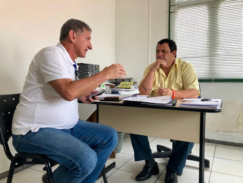 PREFEITO EM EXERCÍCIO CHICO BATISTA SE REÚNE COM SUPERINTENDENTE DA FUNASA EM TARAUACÁ