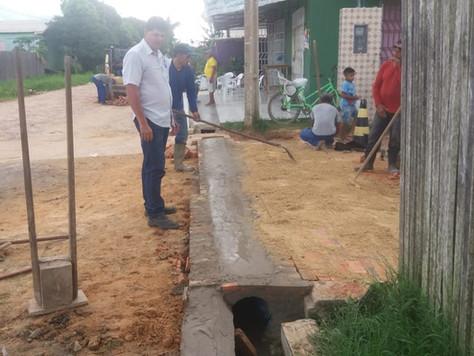 PREFEITURA DE TARAUACÁ TRABALHA NA MANUTENÇÃO DE GALERIAS DE ÁGUA PLUVIAIS