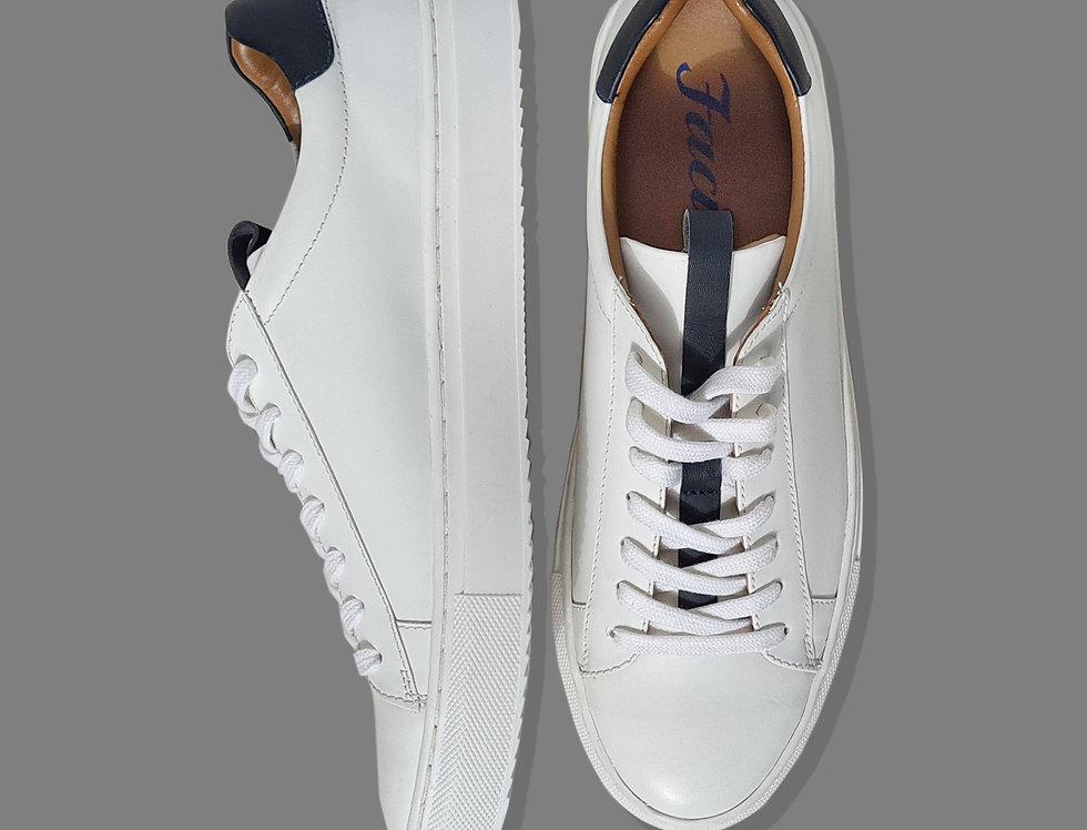 Sneaker bianca con profilo blu