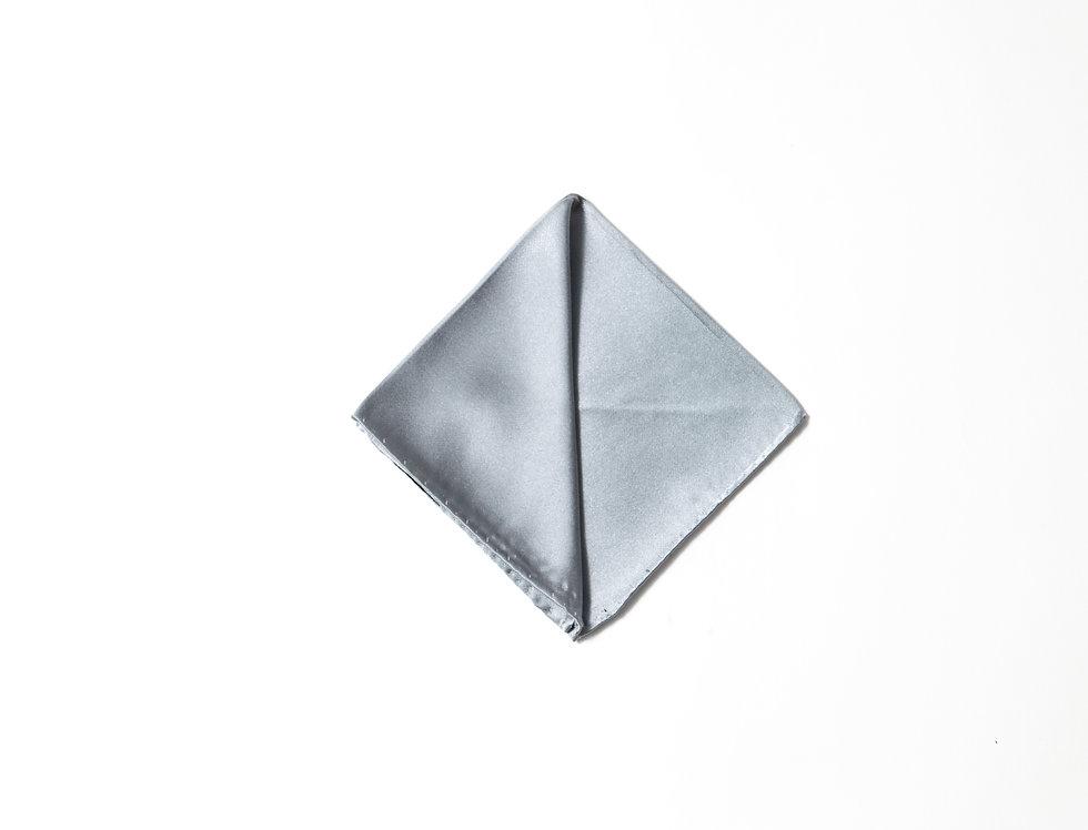 Pochette raso grigio perla