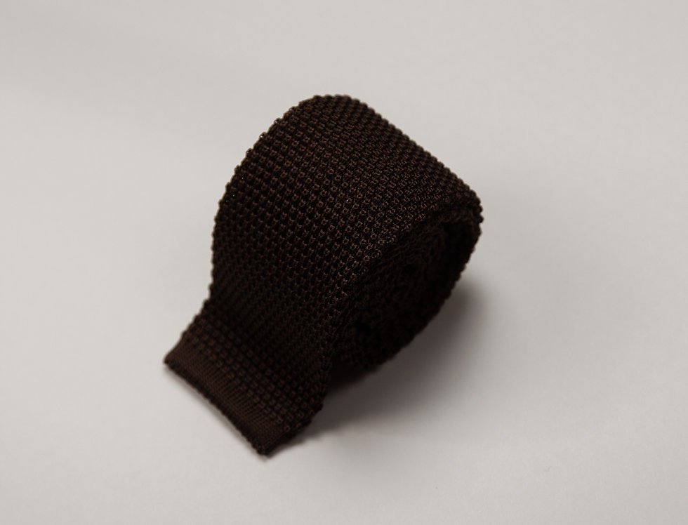 Cravatta in maglia di pura seta unita marrone