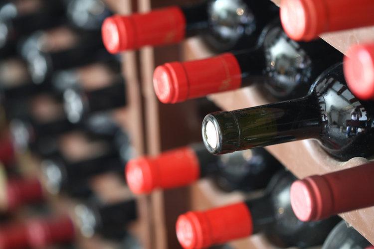 Italienische Rotweine in Flaschen