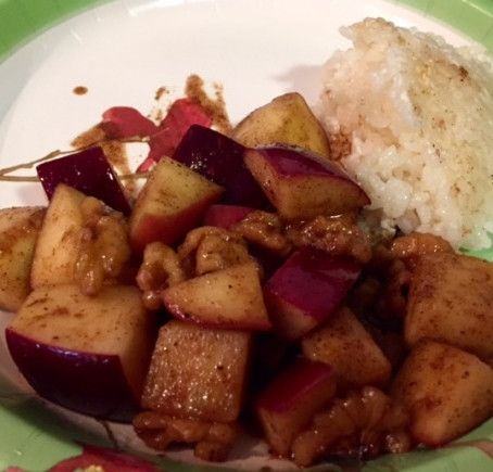 Apple Masala with Coconut Crack Rice