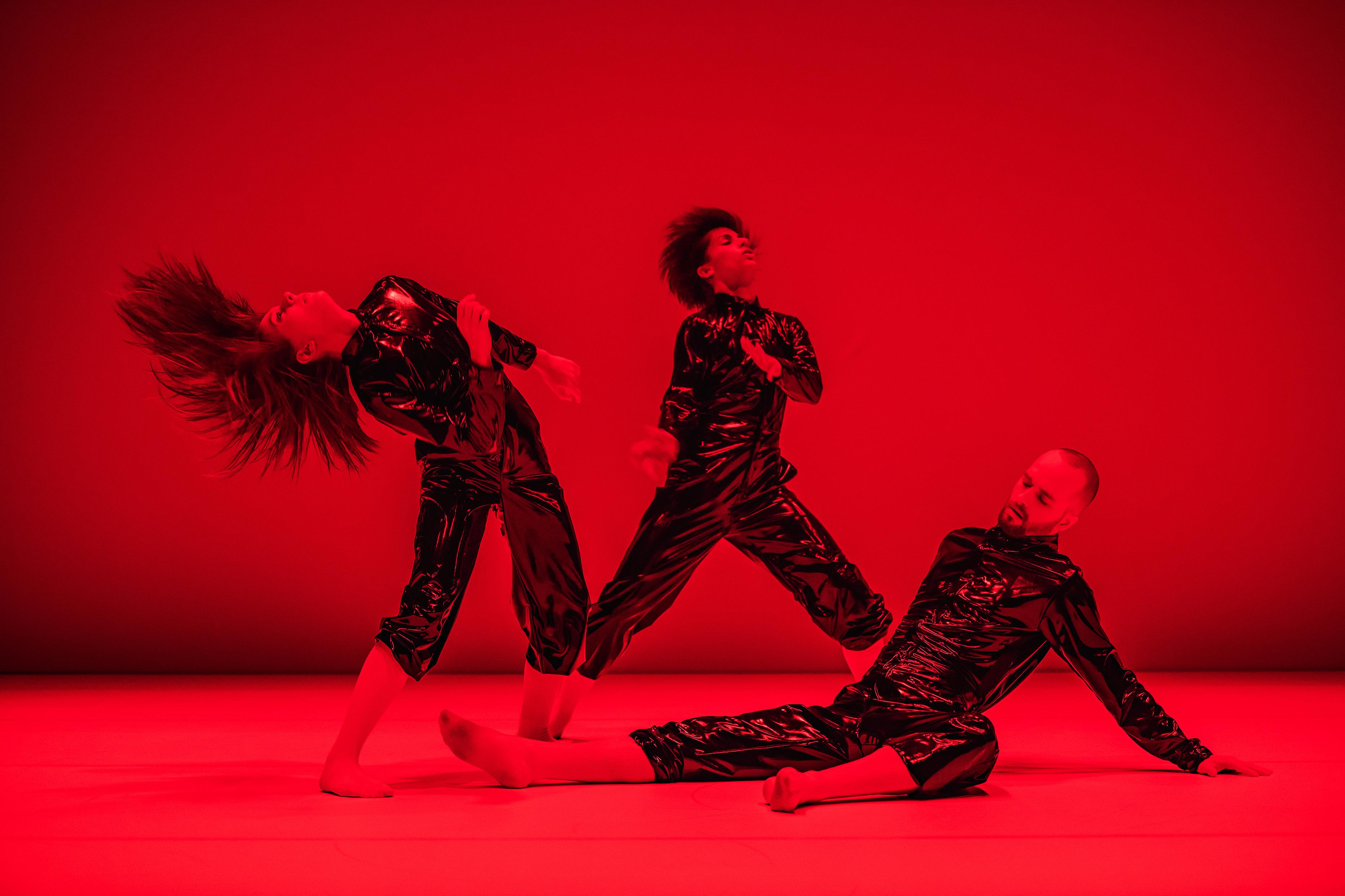 Svart Invärtes - dance