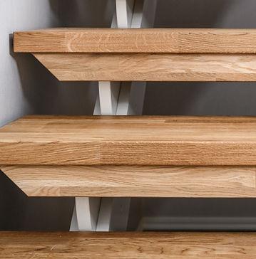 Rak trappa med handledare