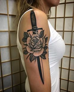 Dagger Rose