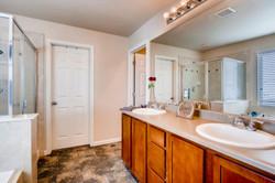 7858 S Joplin Ct Englewood CO-large-018-17-Master Bathroom-1500x1000-72dpi