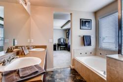 7858 S Joplin Ct Englewood CO-large-019-12-Master Bathroom-1500x1000-72dpi