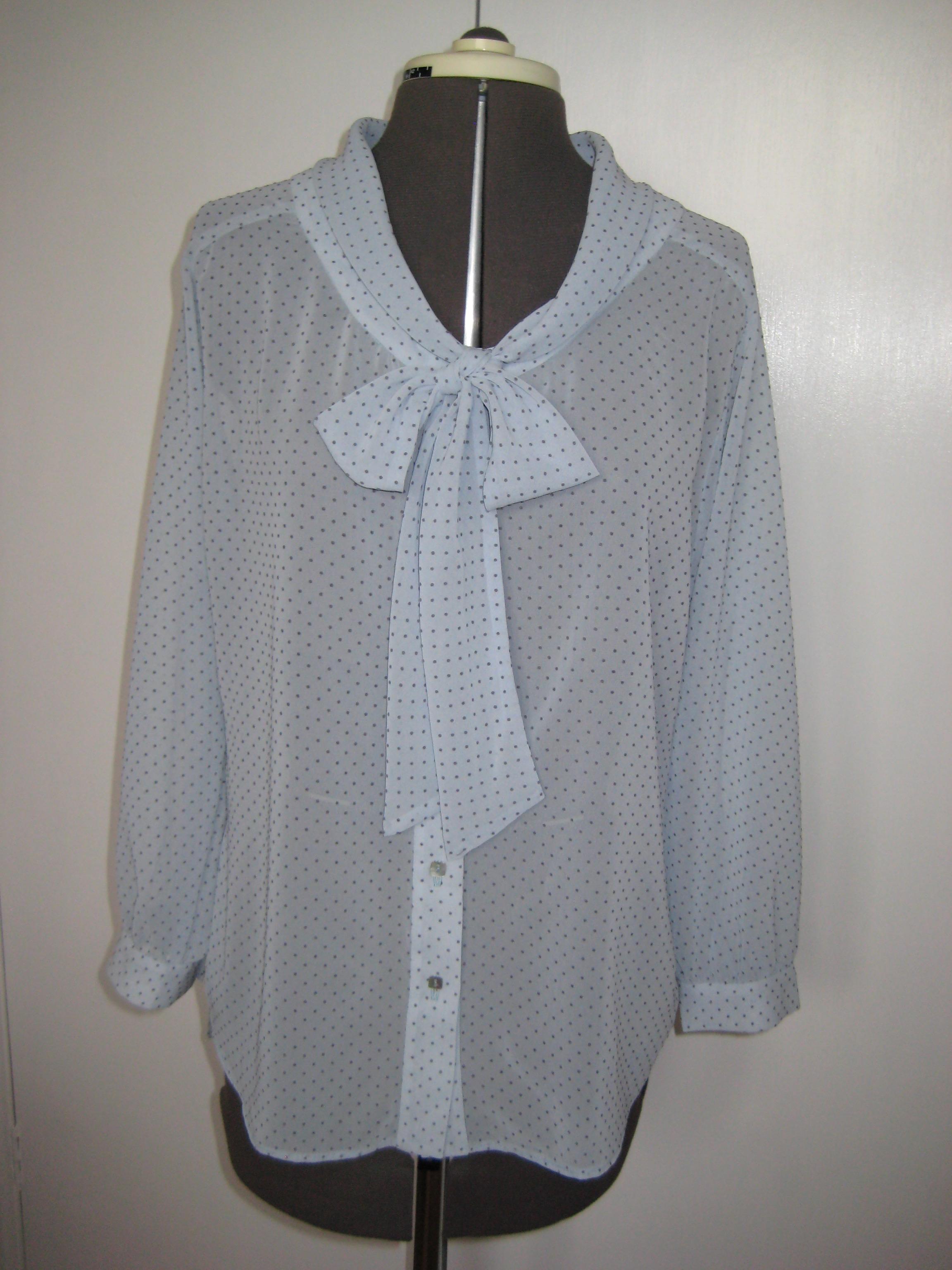 Love Dressmaking blouse neck ti