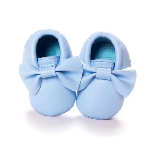 d53095acec043 Chaussons bébé fille bleu clair. €29.00 € 14.50. chaussures bébé