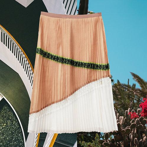 El Mirador, Pleated skirt – ARMANDO TAKEDA